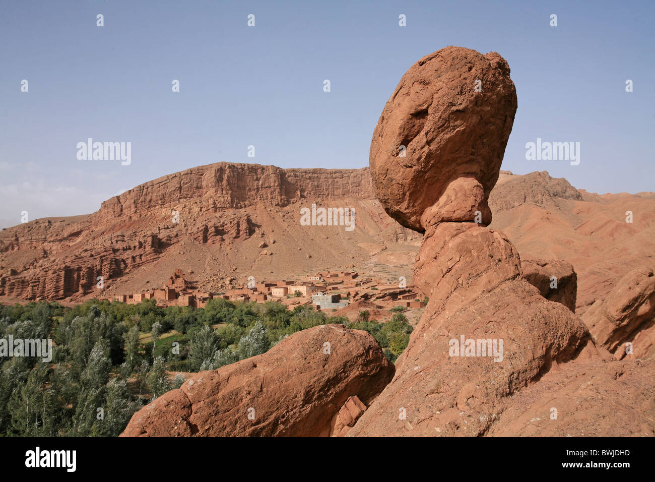 Ait-Ali Cobrafels cliff formation Dadestal Dadesschlucht Morocco Africa North Africa - Stock Image