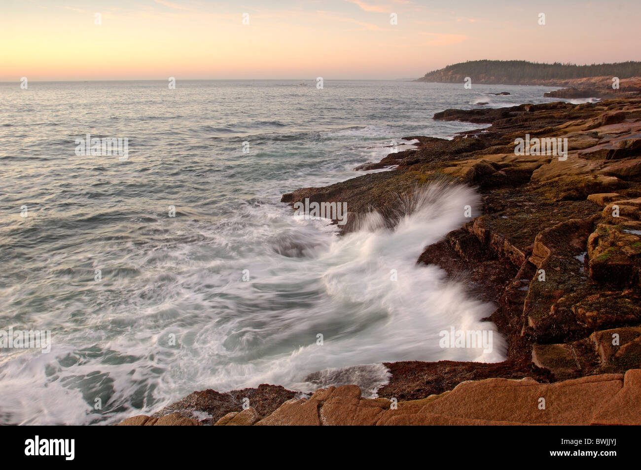 Thunder getting fetching Acadia scenery landscape coast surf sea dusk twilight mood coastal scenery nationa - Stock Image