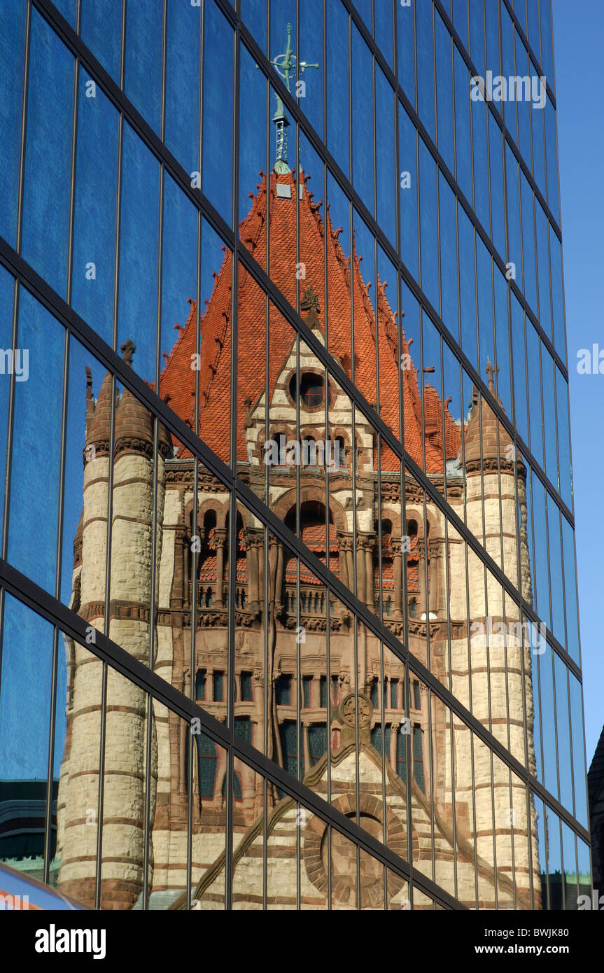 Trinity Church church reflection facade glass facade moulder old contrast contrast opposition Boston Massach - Stock Image