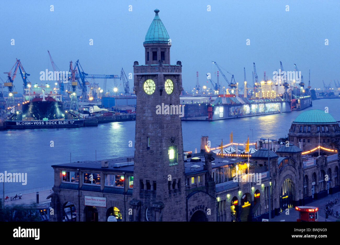 Europe, Germany, hanseatic city of Hamburg, port of Hamburg, Landungsbruecken (Jetties) - Stock Image