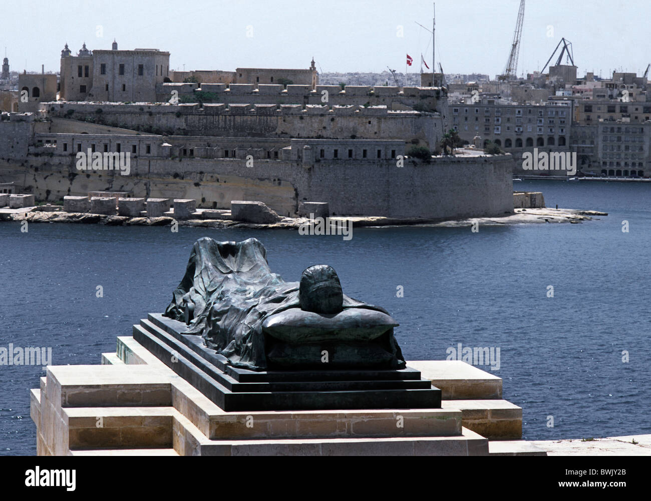 Malta. WW2 Memorial to those who died during the siege of Malta above Valetta Harbour.  0 - Stock Image