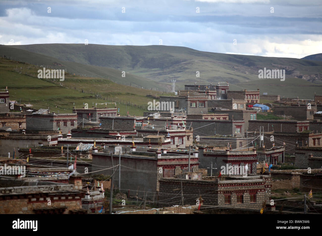 A view over of Litang, Sichuan province, southwest China - Stock Image