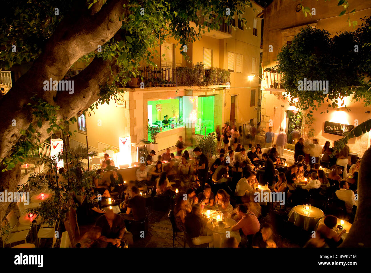 Deja Vu, a cocktail bar on Piazza Garibaldi square, nightlife in Taormina, province of Messina, Sicily, Italy, Europe - Stock Image