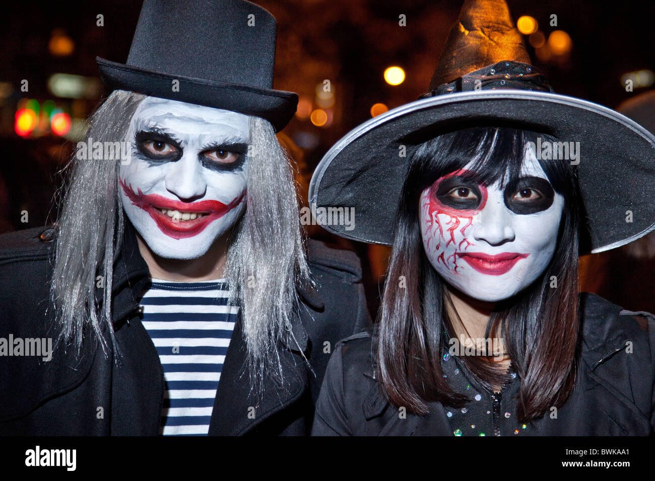 Scary mime-face couple at the NYC Greenwich Village Halloween Parade  sc 1 st  Alamy & Scary mime-face couple at the NYC Greenwich Village Halloween Parade ...