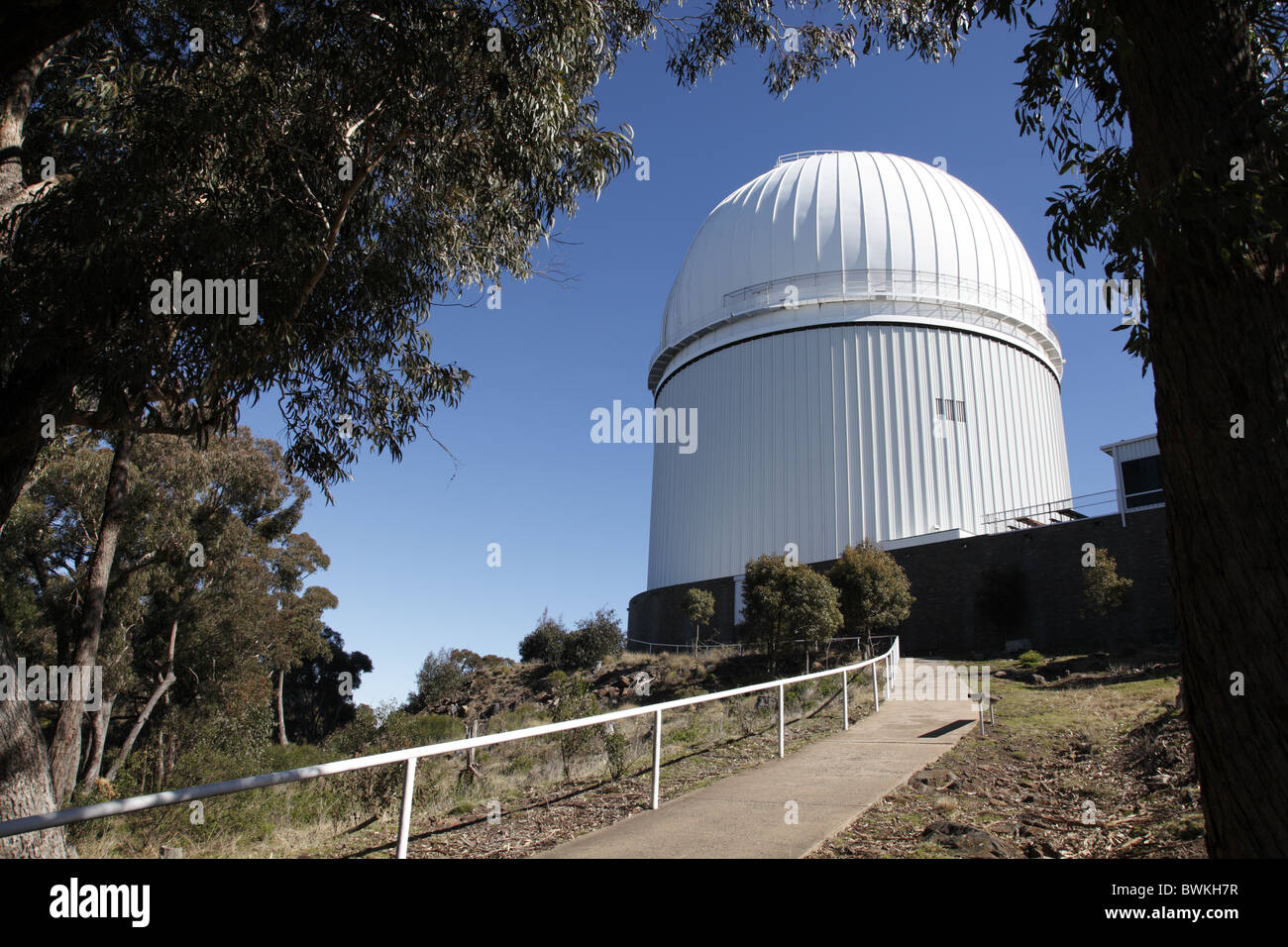 Australia, New South Wales, Coonabarabran, Siding Spring Observatory, Astronomy and Astrophysics Telescope Dome - Stock Image