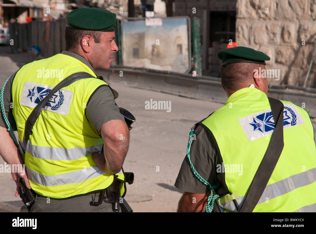 Two israeli border patrols guarding at the Jaffa gate. Jerusalem Old City - Stock Image