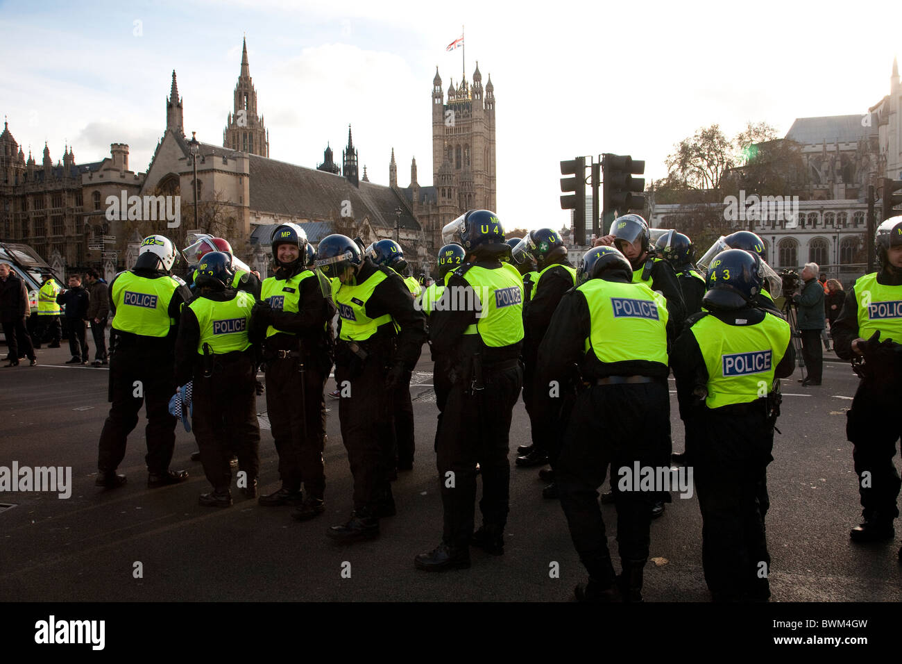 Riot Police Westminster Houses of Parliament. Photo:Jeff Gilbert - Stock Image