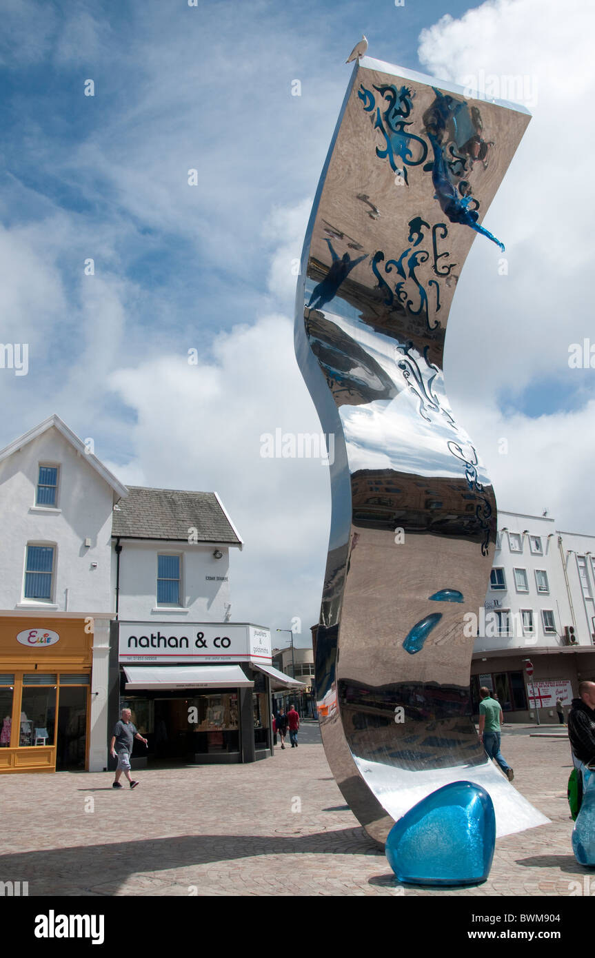 10.5 metre high sculpture named The Wave. Designed by artist Lucy Glendinning in Blackpool on the coast of Lancashire - Stock Image