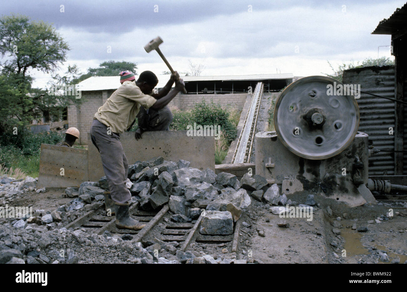 Zimbabwe. Gold Mine near Que Que-now Kwe Kwe- when Zimbabwe was Rhodesia during transition period after civil war - Stock Image