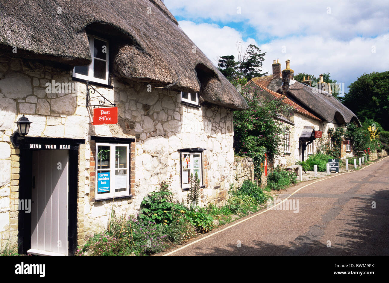 UK England Europe Hampshire Isle of Wight Brighstone Village Brighstone Village Thatched Cottage Thatched Cot Stock Photo