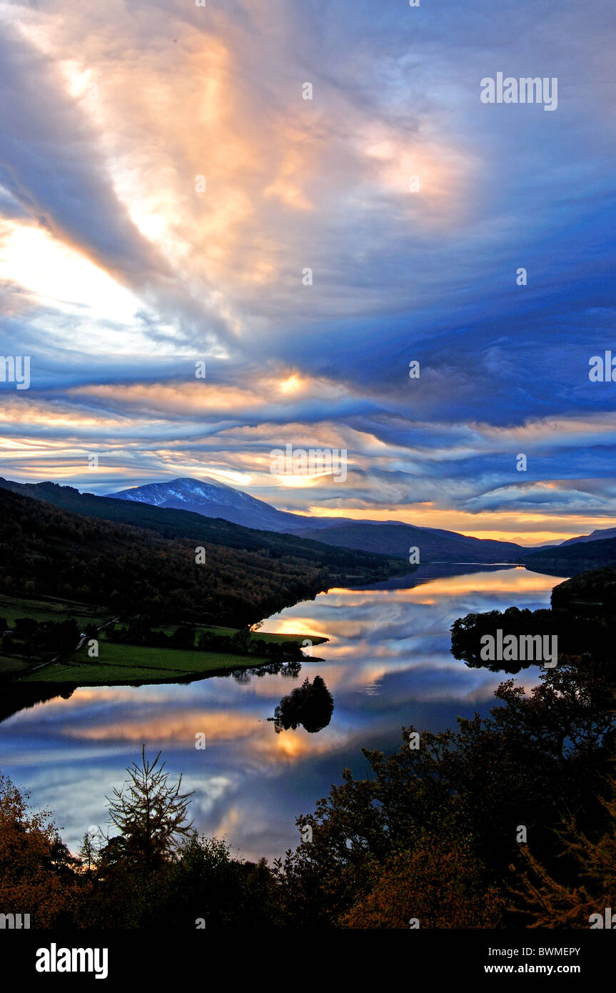 UK Scotland Tayside Perthshire Queens View Loch Tummel and mountain of Schiehallion - Stock Image