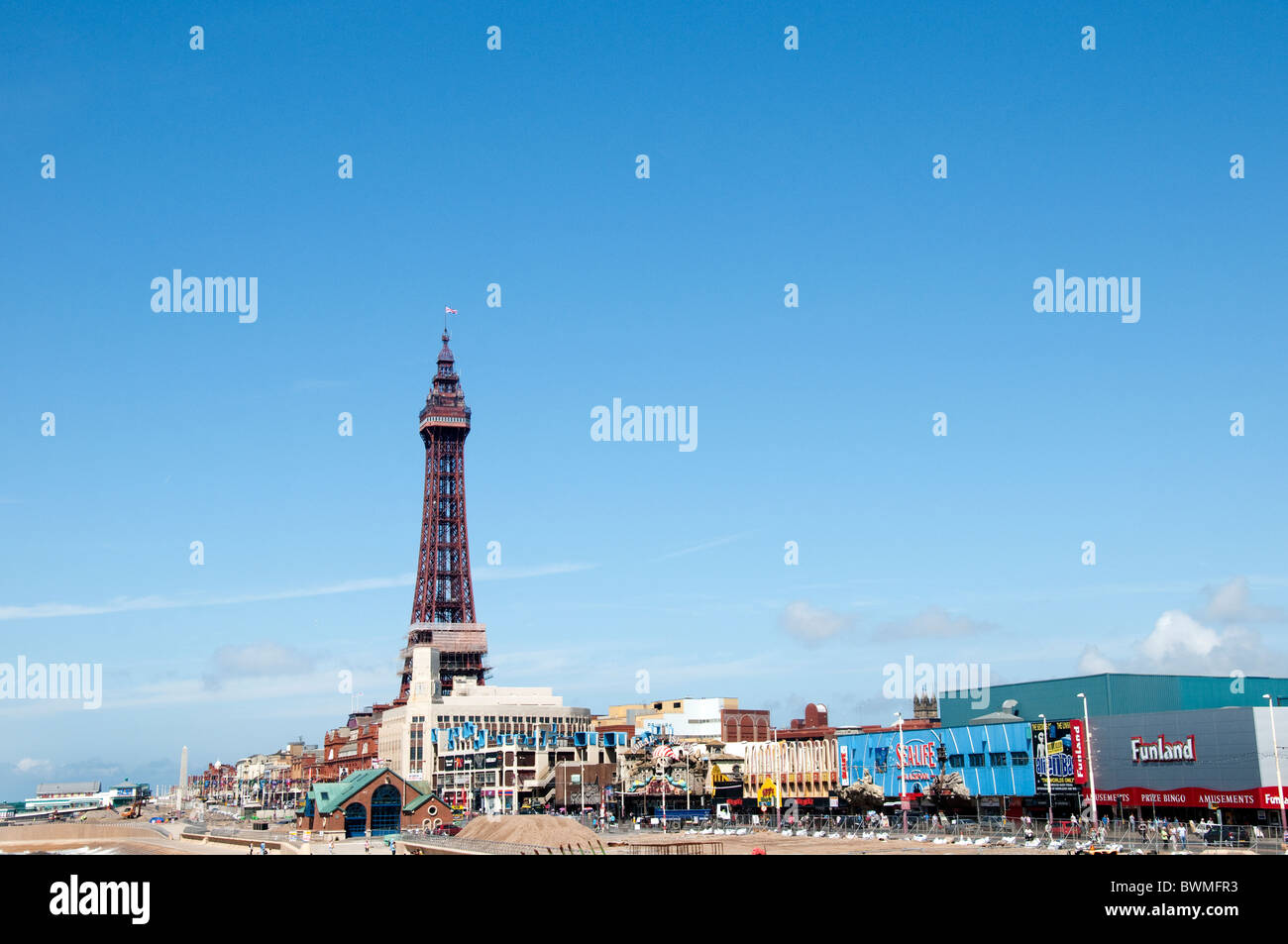 Vista of the promenade and beach at Blackpool on the coast of Lancashire in Northern England - Stock Image