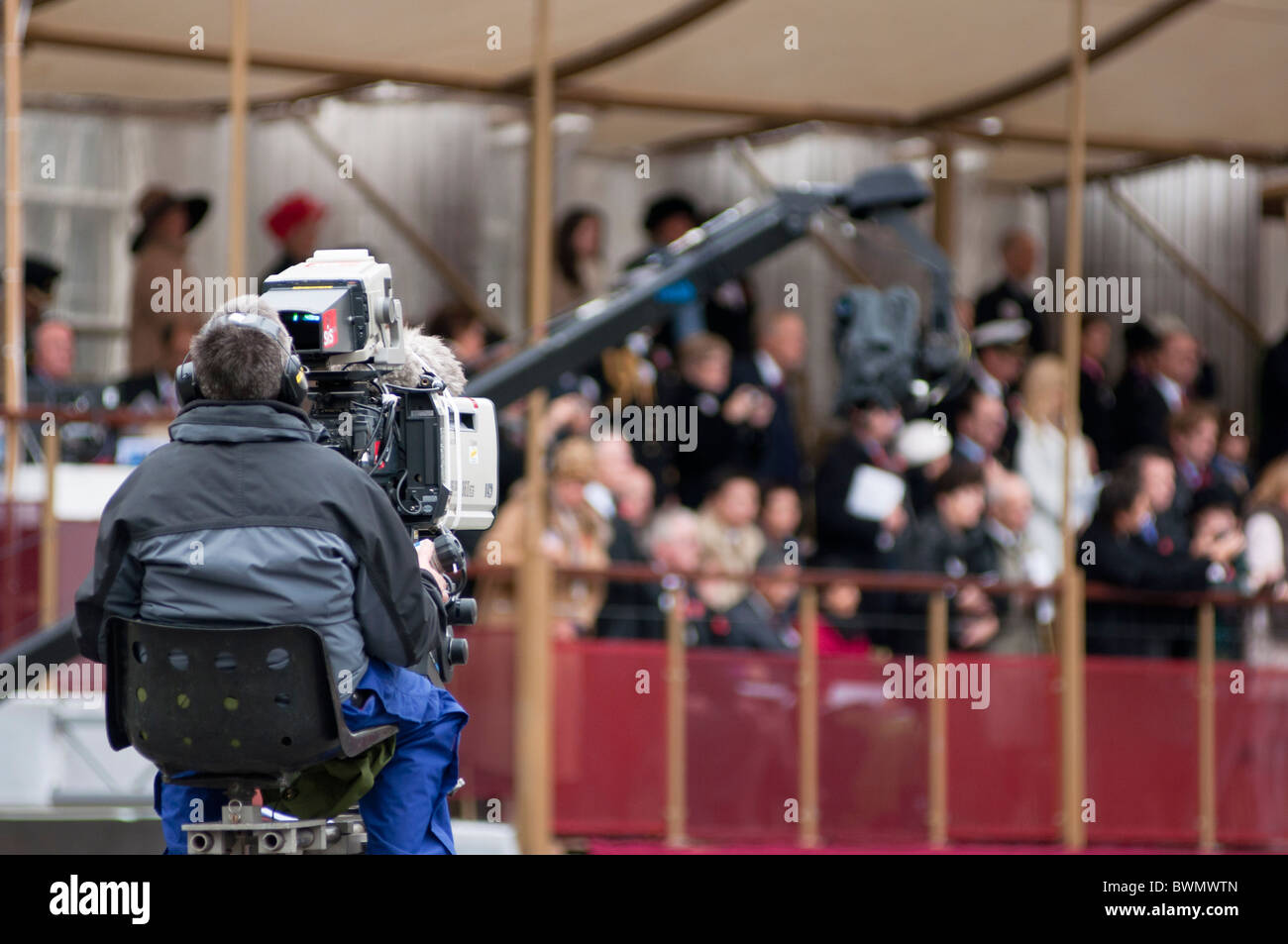 TV Cameraman covering the Lord Mayor's show 2010, London. UK Stock Photo