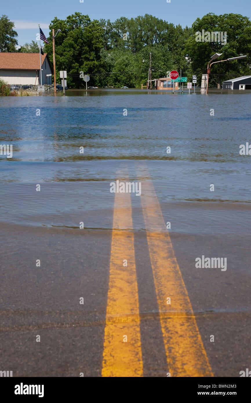 USA, Missouri, Road in flood - Stock Image