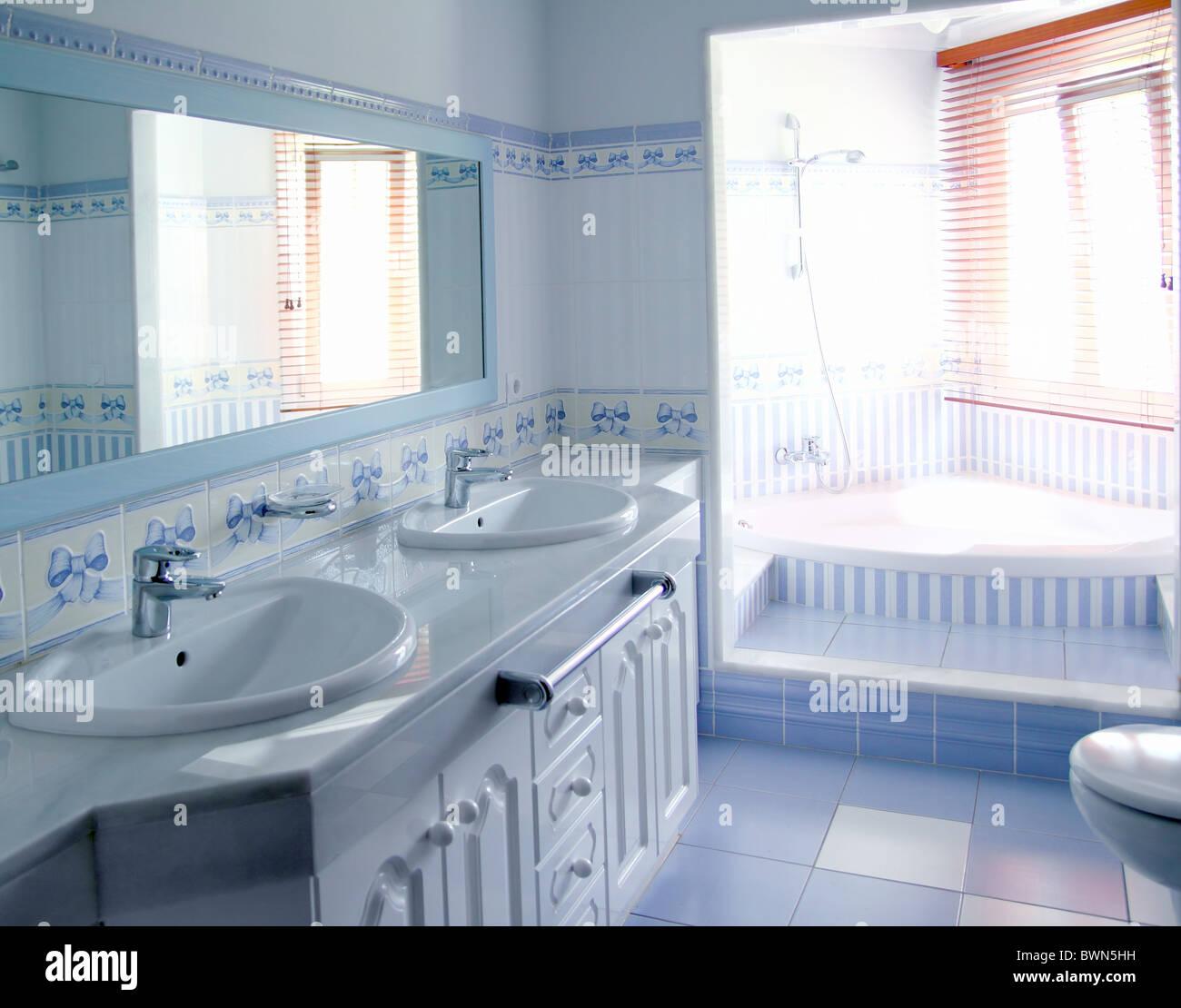 Amazing Picture Of Bathroom Tiles Ideas - Bathroom - knawi.com