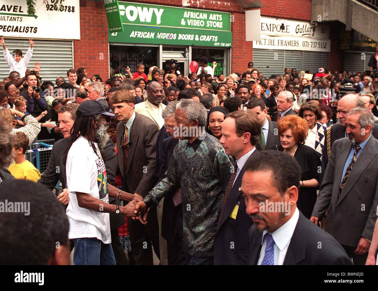 NELSON MANDELA IN BRIXTON, LONDON AT THE END OF HIS STATE VISIT TO BRITAIN - Stock Image