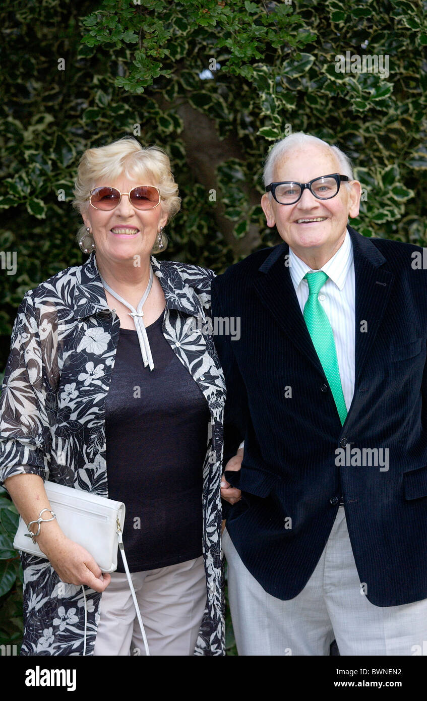 Ronnie Barker and wife Joy at a celebrity party in Chelsea - Stock Image