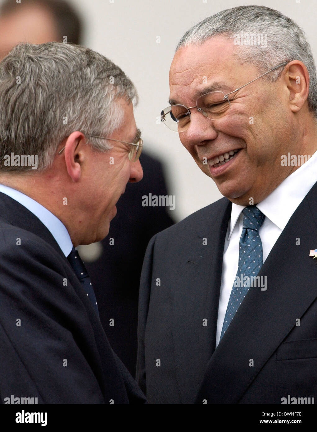 British Foreign Secretary The Rt Honorable Jack Straw MP laughing with Colin Powell, United States Secretary of - Stock Image
