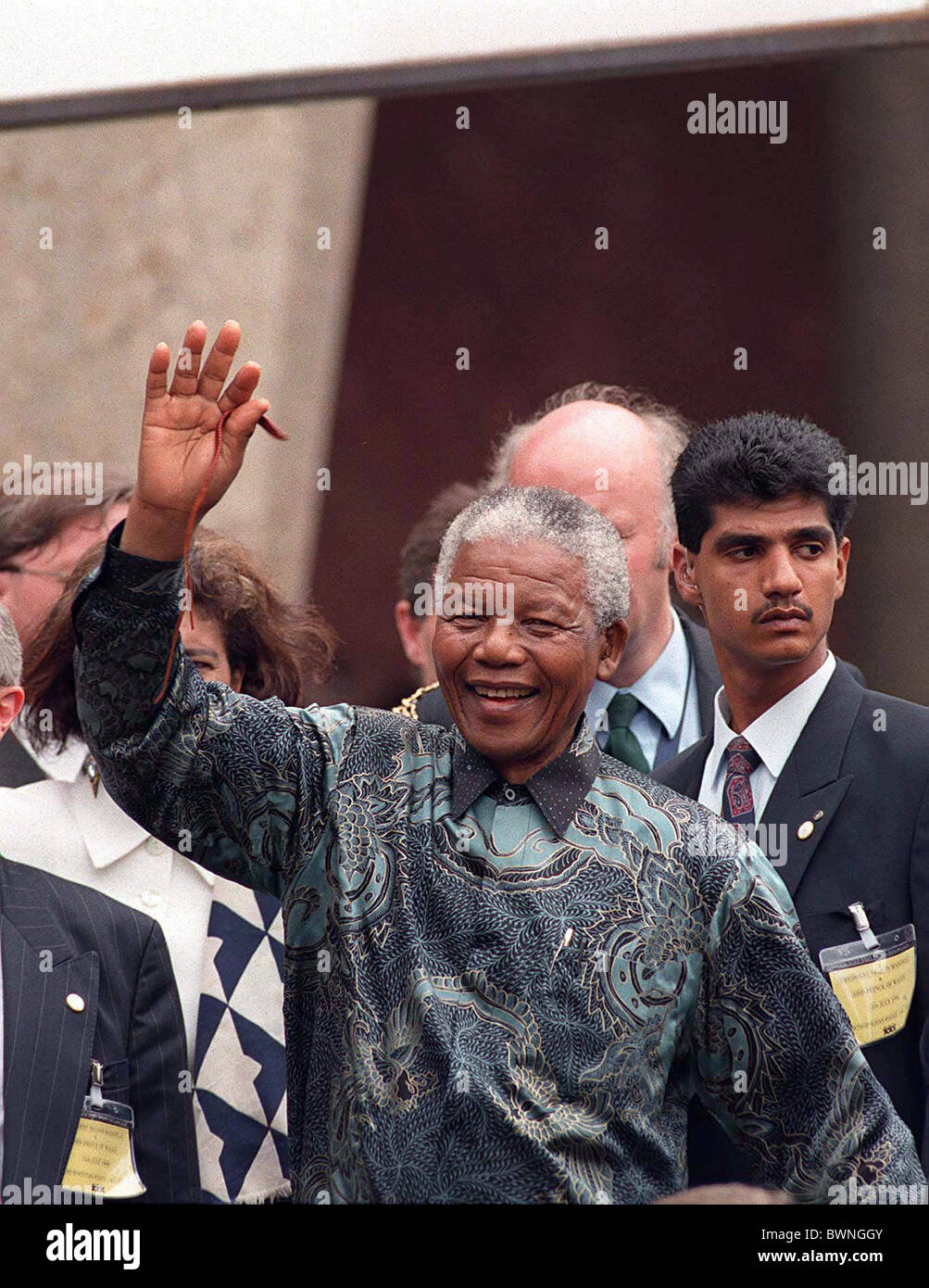 NELSON MANDELA WAVING TO THE CROWDS IN LONDON AT THE END OF HIS VISIT TO BRITAIN - Stock Image