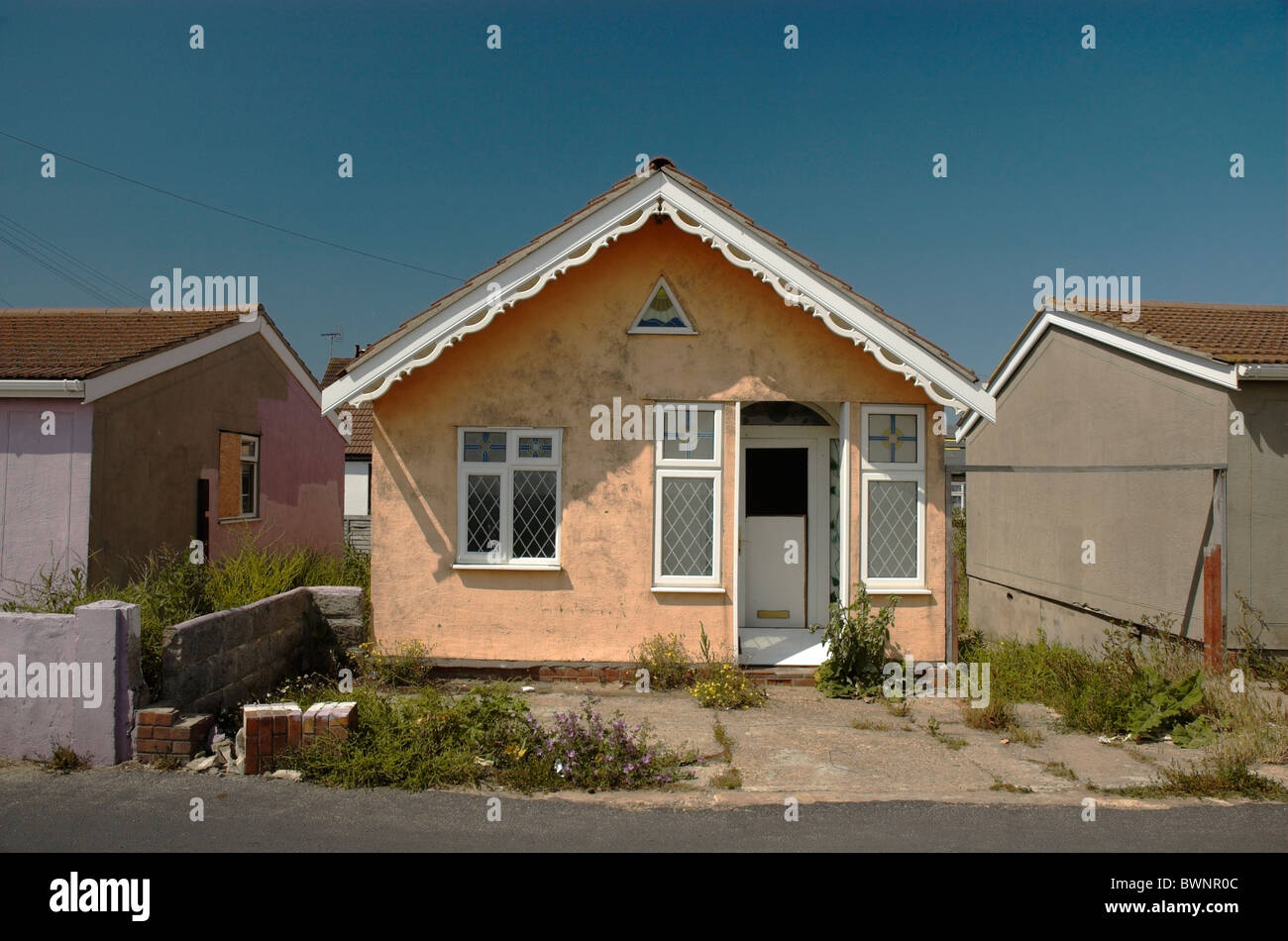 Run down house in need in renovation, Jaywick, Essex - Stock Image