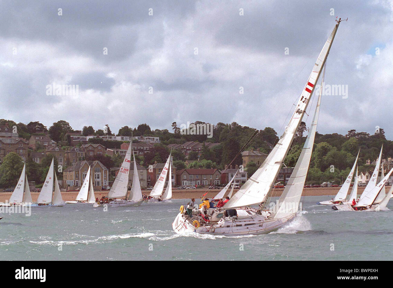 YACHTS SAILING AT COWES YACHTING REGATTA, ISLE OF WIGHT - Stock Image