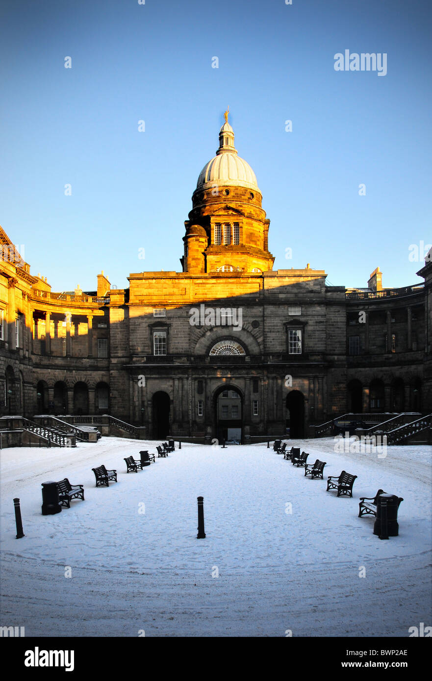 Law Faculty Old College Edinburgh university Winter Snow Blue Sky - Stock Image
