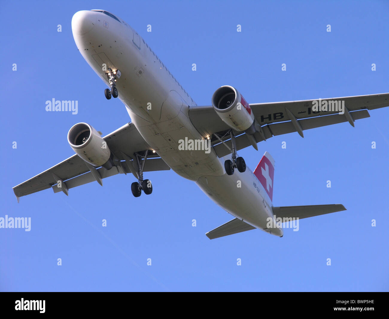 Airbus A320-214 Swiss International Air Lines Flying Jet Airplane Plane Aircraft noise Sky Travel Traveling - Stock Image
