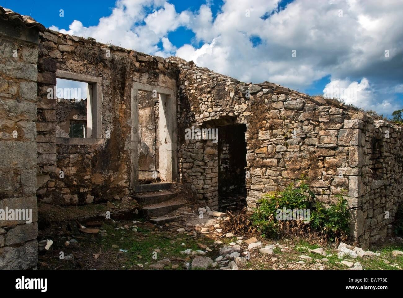 Derelict house in Old Perithia, Corfu, Ioninan Islands Greece. - Stock Image