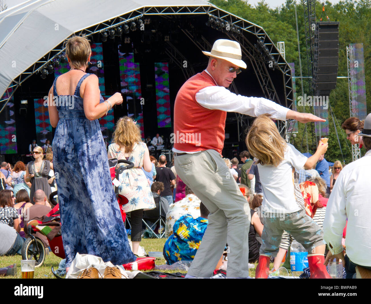 Different generations of Vintage at Goodwood festival audience dancing to Kid Creole - Stock Image