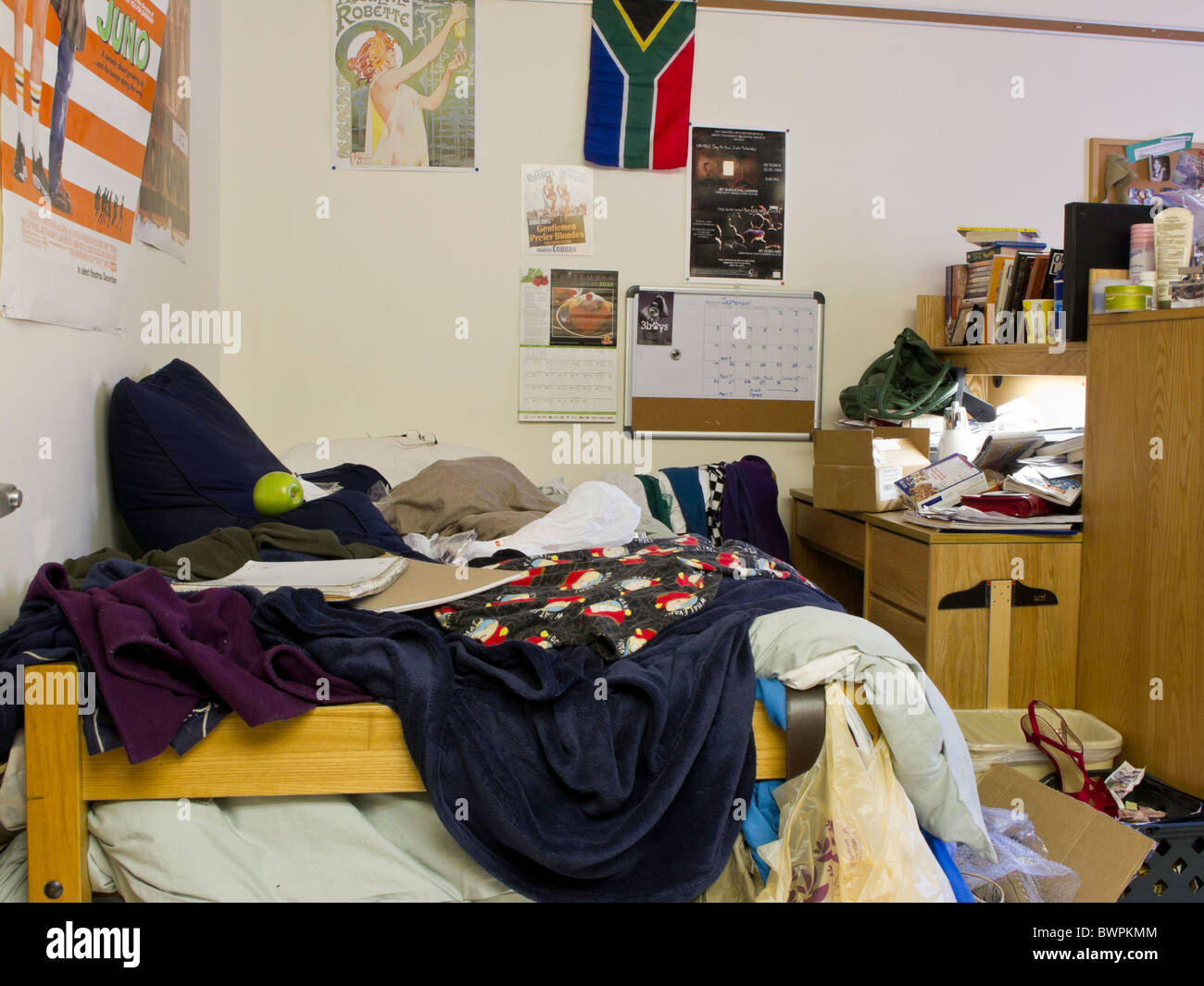 How To Pack Up Your Dorm Room