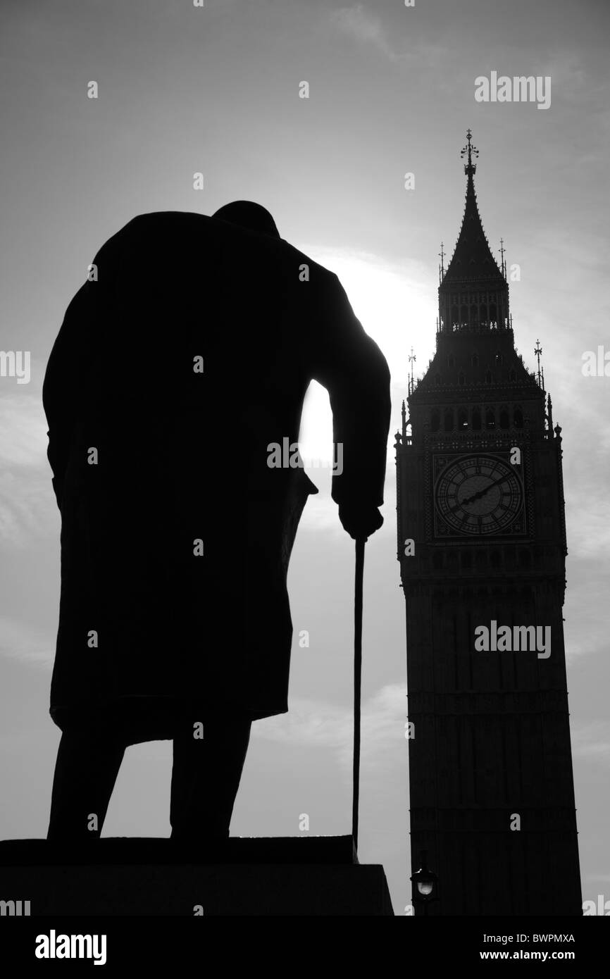 London - silhuette of Winston Churchill statue and Big Ben - Stock Image