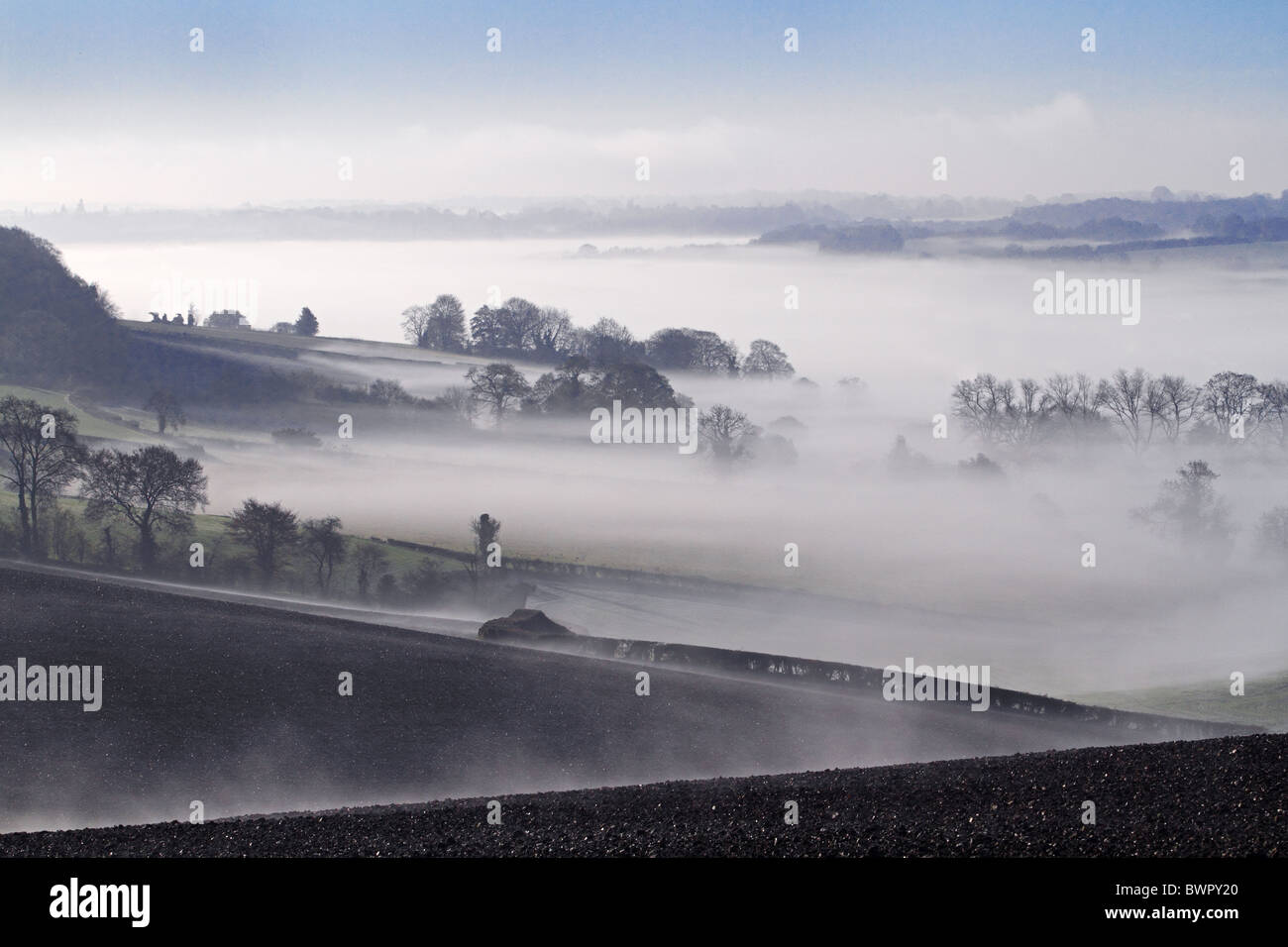 Misbourne valley mist Chilterns autumn Buckinghamshire Chiltern AONB HS2 - Stock Image