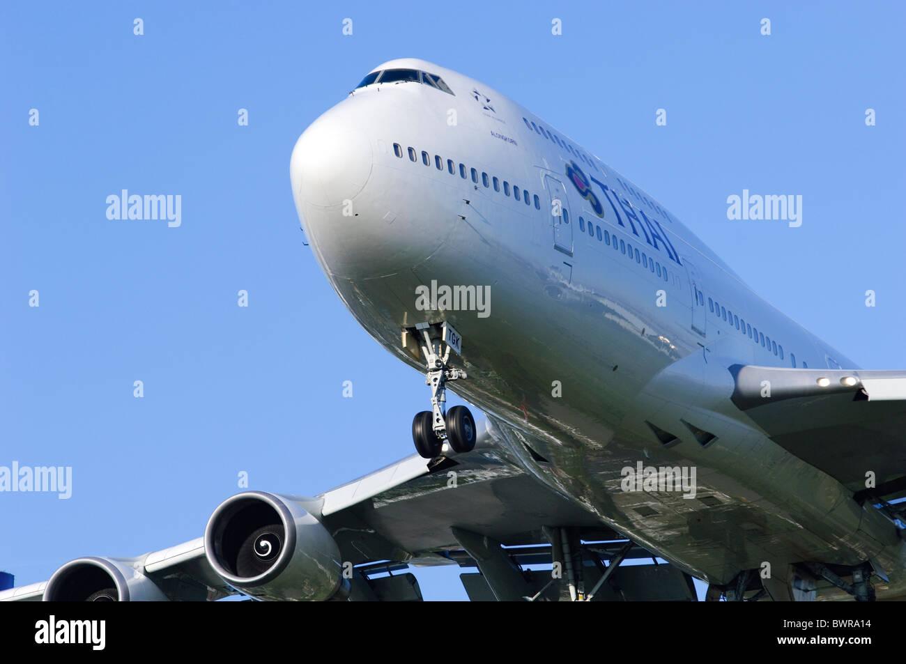 Boeing 747 Thai Airways Jumbo Jet Plane Landing - Stock Image