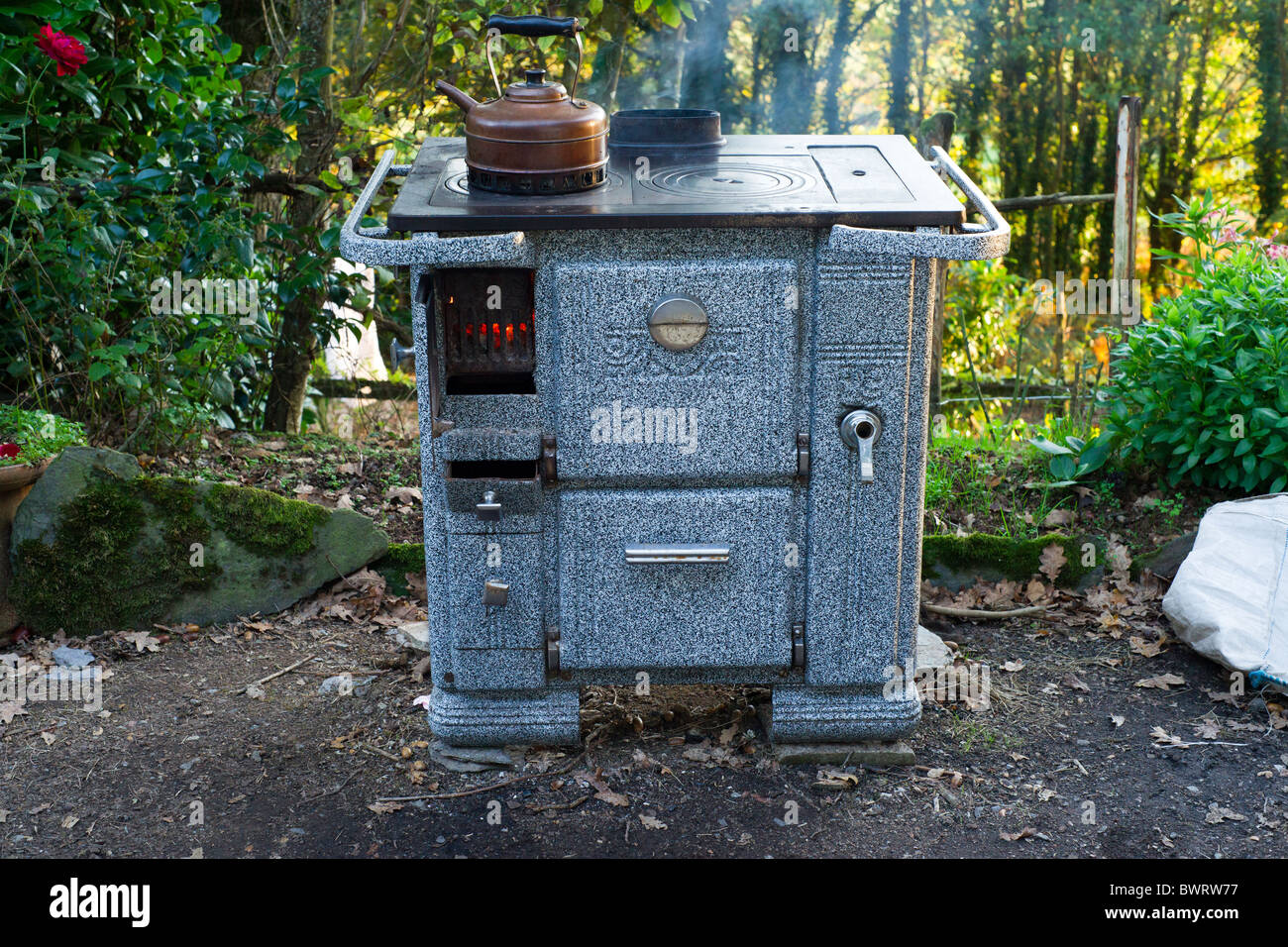Copper Kettle Stove Stock Photos & Copper Kettle Stove Stock Images ...