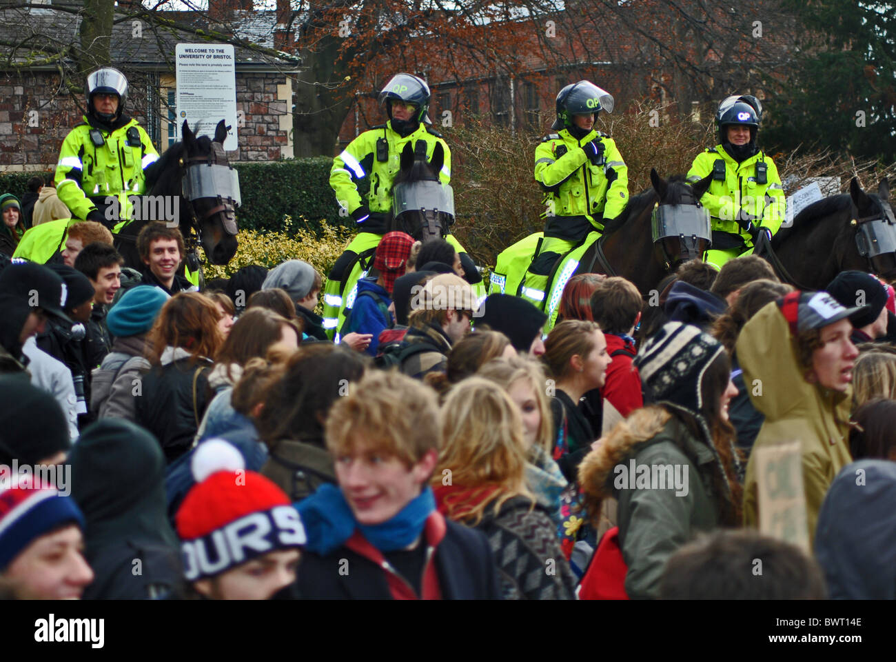Police and students protesting over rising tuition fees, Bristol University - Stock Image