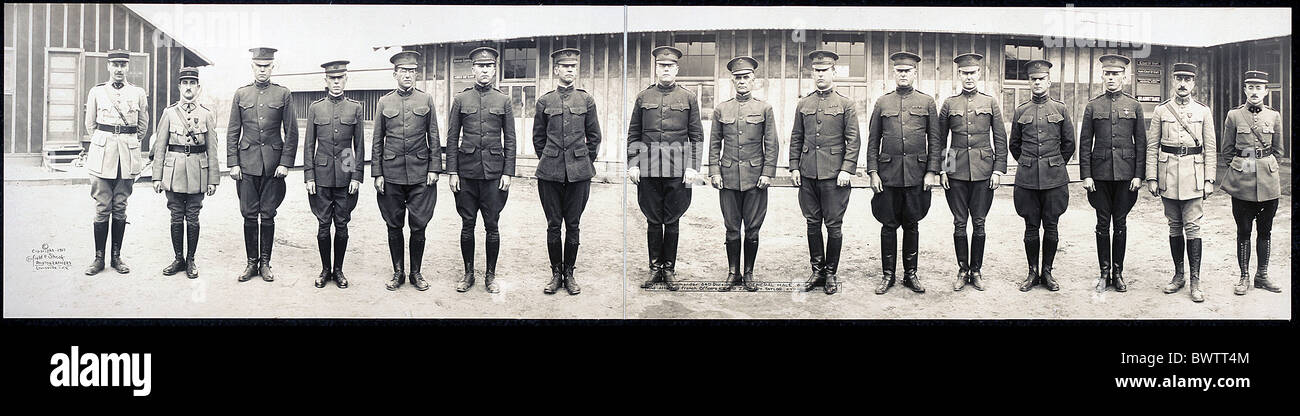 Division commander General Hale division staff French officers Camp Zachary Taylor 1917 World War I WW1 army - Stock Image