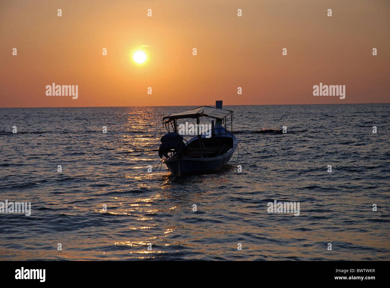 Thailand Asia Evening moody Andamanen sea Asia trip Boat Boats Vacation Holiday Leisure Recreatioin Khao - Stock Image