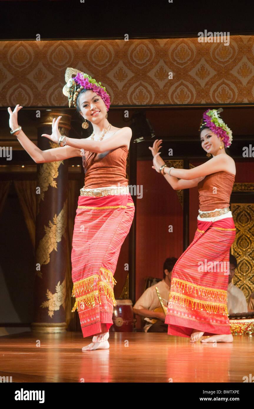 classical Thai dancers performing in Bangkok, Thailand Stock Photo