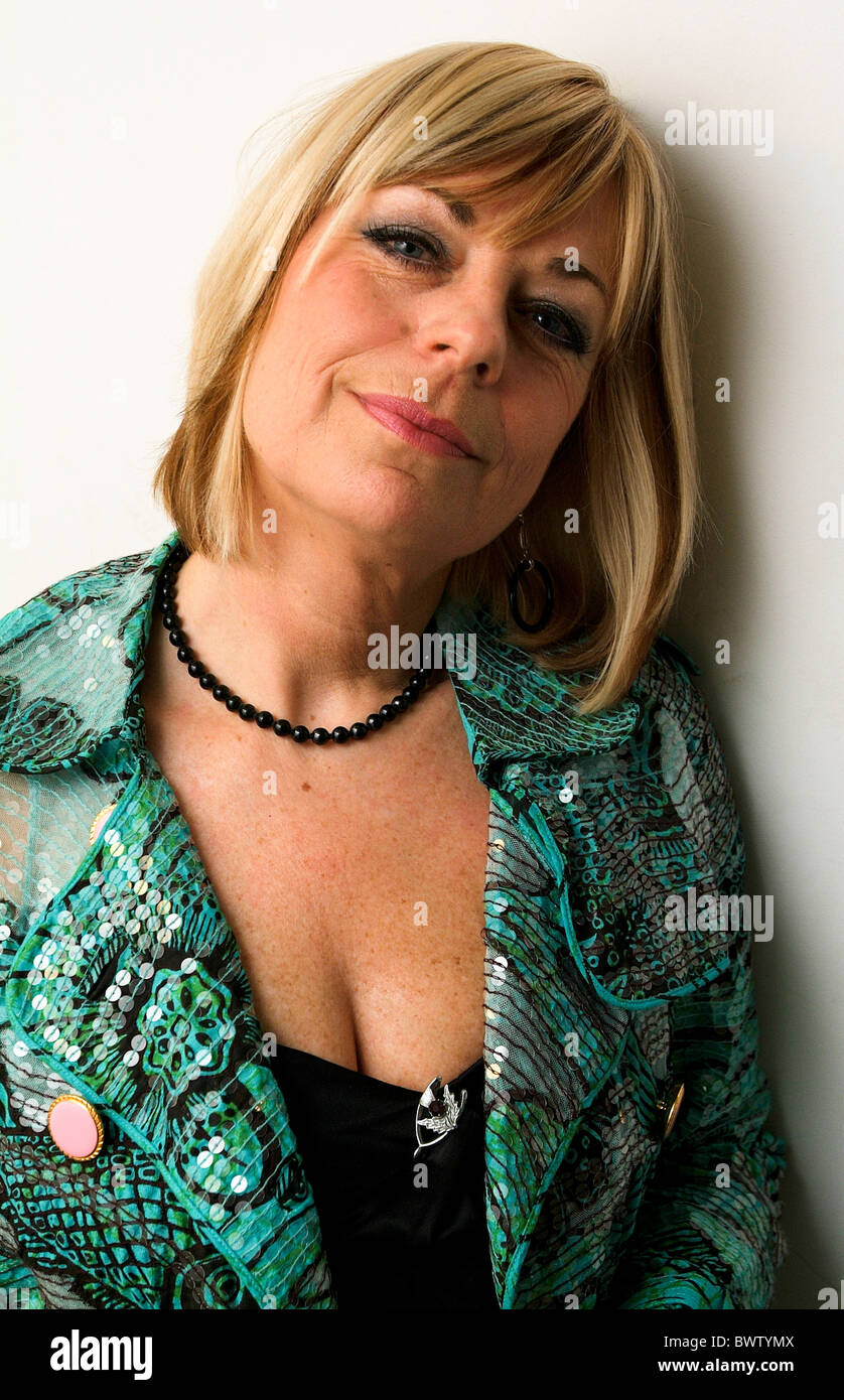 Backstage with Singer Mari Wilson - Stock Image