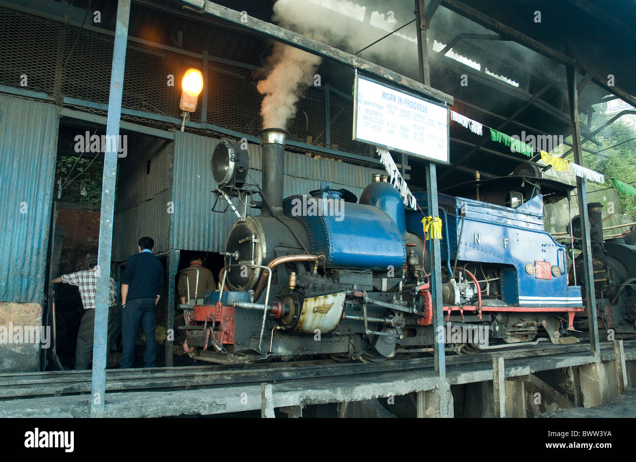 Old steam locomotives with a British origin still function on the Darjeeling-based Himalayan railway - Stock Image