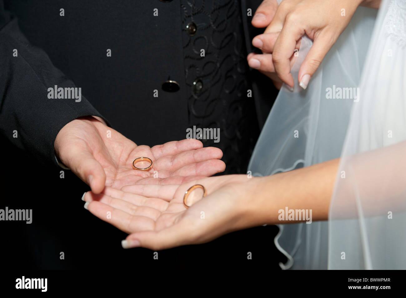 Exchanging wedding rings - Stock Image