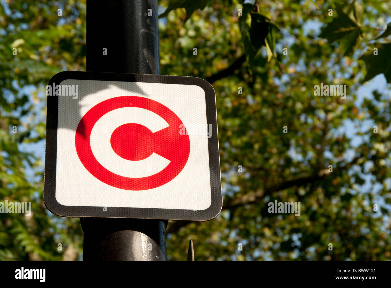congestion charge sign post - Stock Image