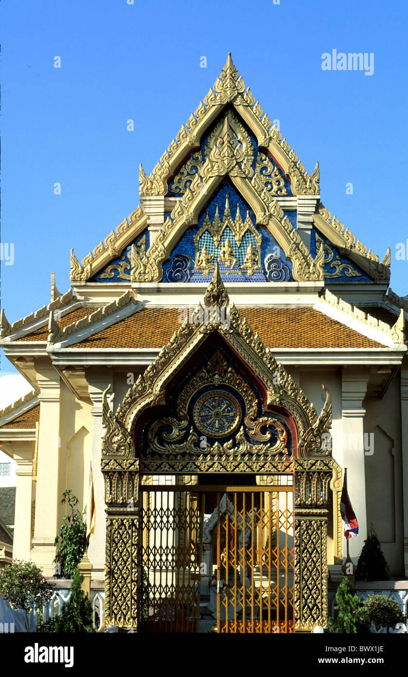 Bangkok entrance gable richly decorated temple Thailand Asia gate - Stock Image