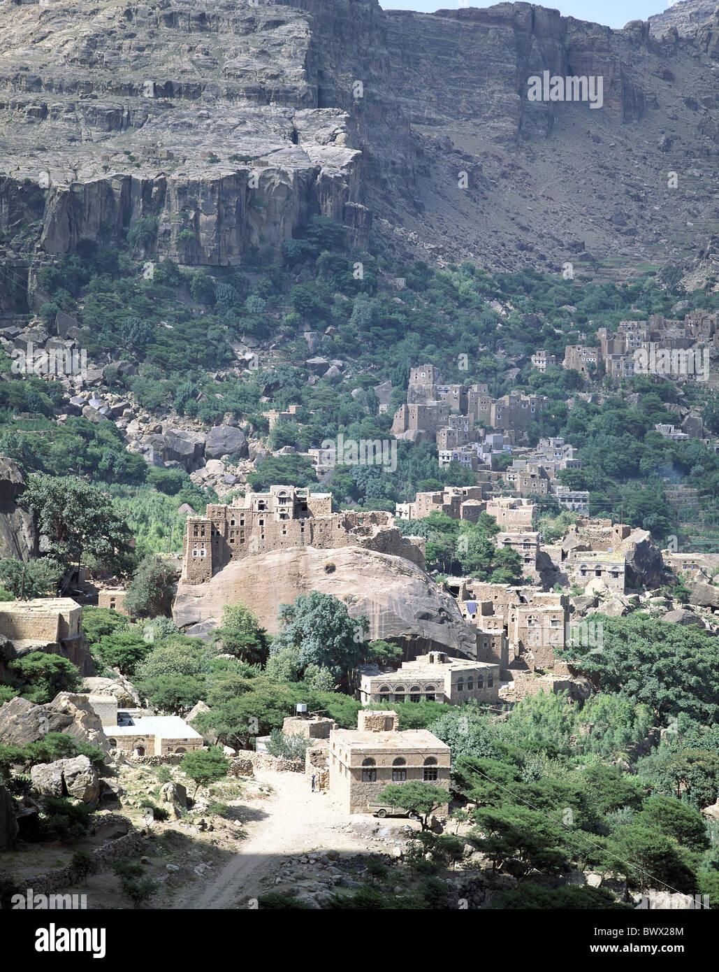 village Rocky Mountains Yemen Middle East scenery Shihara vegetation - Stock Image