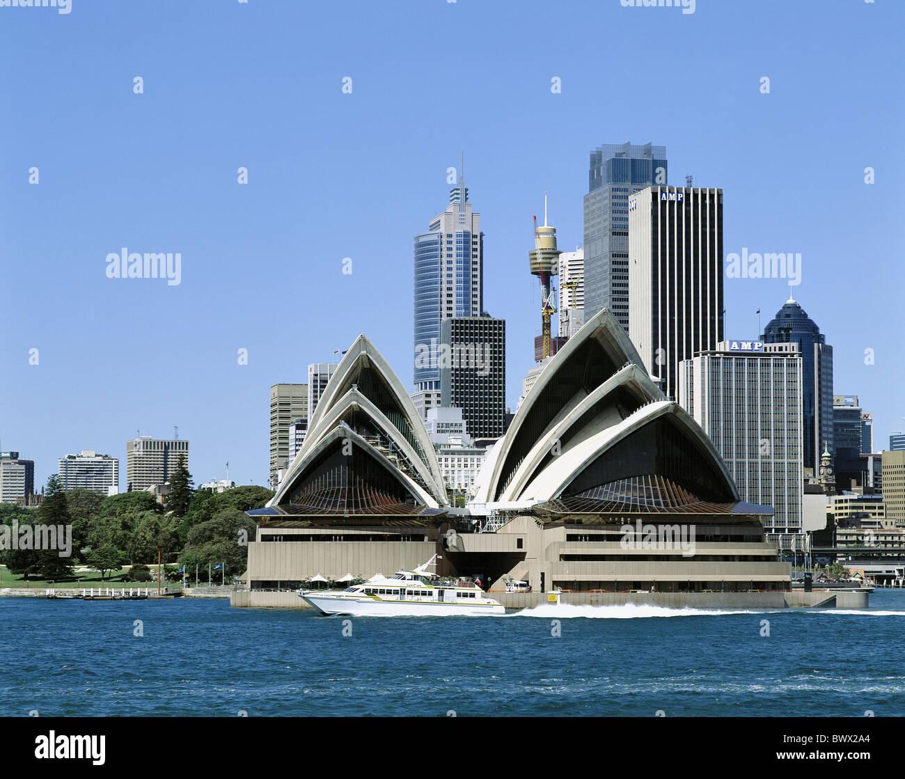 Australia harbor basin motorboat opera skyline Sydney - Stock Image