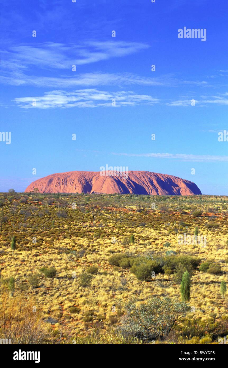 Australia egg merchant's rock skirt scenery Northern Territory out forecastle Uluru - Stock Image