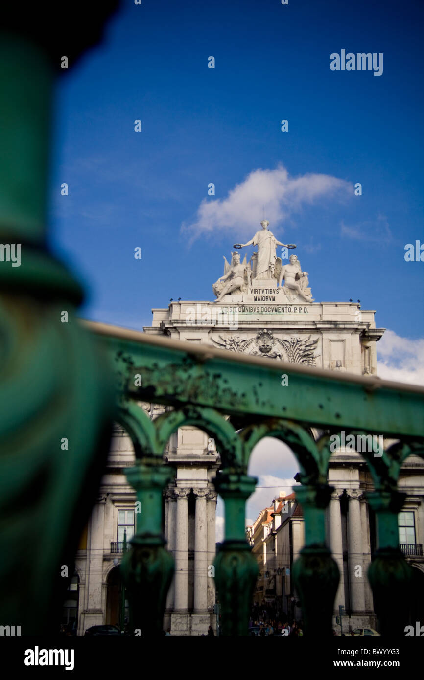 Photograph of the Rua Augusta Arch at Pracado Comercio in Lisbon, Portugal, taken from the base of the King Jose - Stock Image