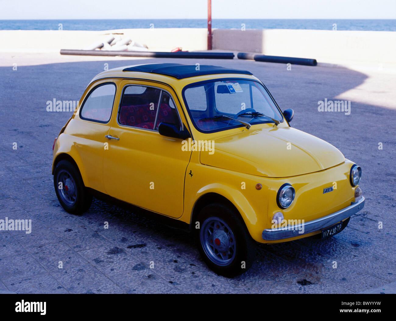 Folding Roof Fiat Cinquecento 500 Yellow Parkiert