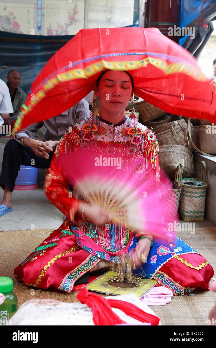 Zhuang priestess, Longlin, Baise, Guangxi Province, China - Stock Image
