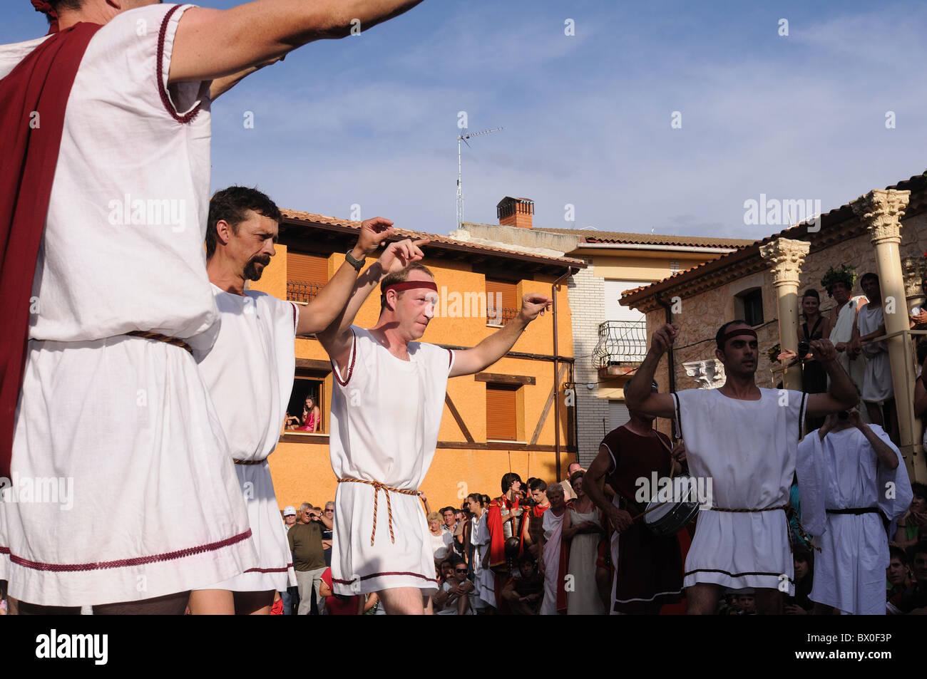 Roman festival of the '  God Bacchus '  Traditional dance in the main square   BAÑOS DE VALDEARADOS - Stock Image